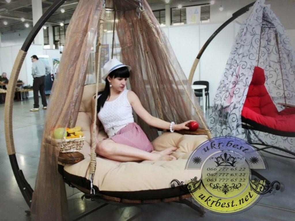 """Раскладывающееся подвесное кресло-кровать EGO - уникальная мебель для дома и сада. Если вы ищете универсальное кресло качели для современного интерьера или улицы - кресло-кровать со стойкой """"Эго"""" будет отличным выбором!.. Убедитесь сами - на сайте """"UkrBest"""" Вы можете посмотреть: - детальные фото, - технические характеристики, - живые отзывы покупателей."""