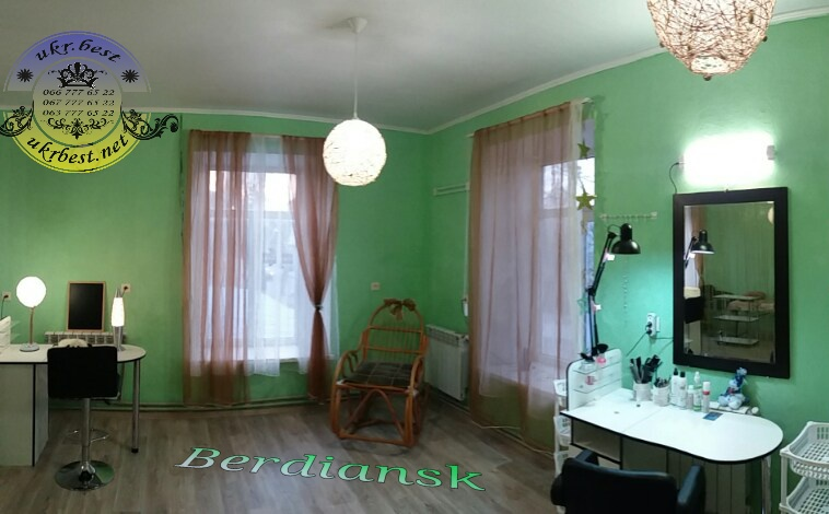 Столы, полки и другая мебель для маникюрного салона в Украине - UkrBest