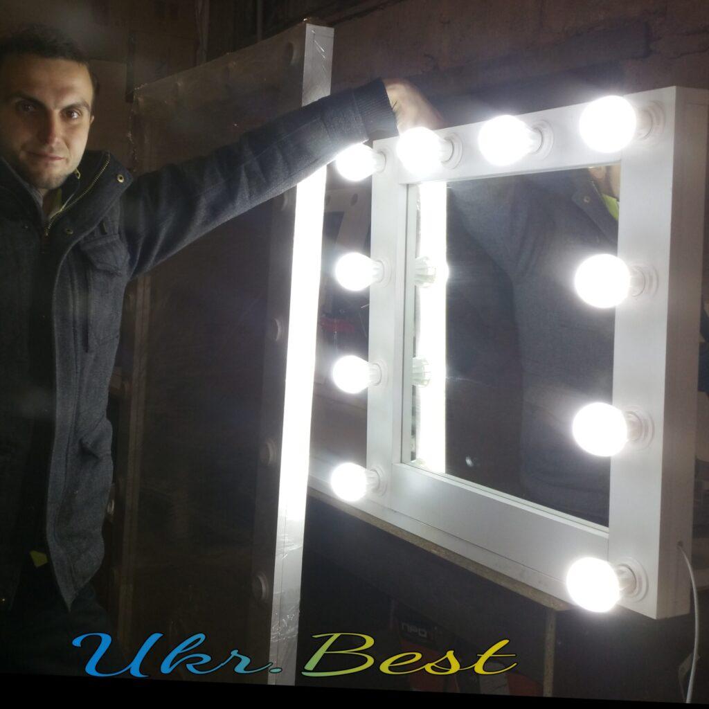 Настенное зеркало с подсветкой LED лампами для макияжа и причёсок дома.  Идеальная мебель для создания красоты, образа и стиля у себя дома - такое компактное гримерное зеркало визажиста подойдёт практически для любого интерьера: прихожей (коридора), ванной, личной комнаты или кабинета.