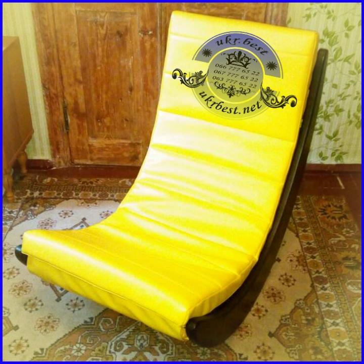 """Кресло-качалка """"Элитное"""" - дизайнерская мебель из массива дерева с мягким сидением из сверхпрочного велюра или ЭКО кожи.  Эксклюзивная мебель на заказ в Украине - разработчик и производитель """"UkrBest""""."""