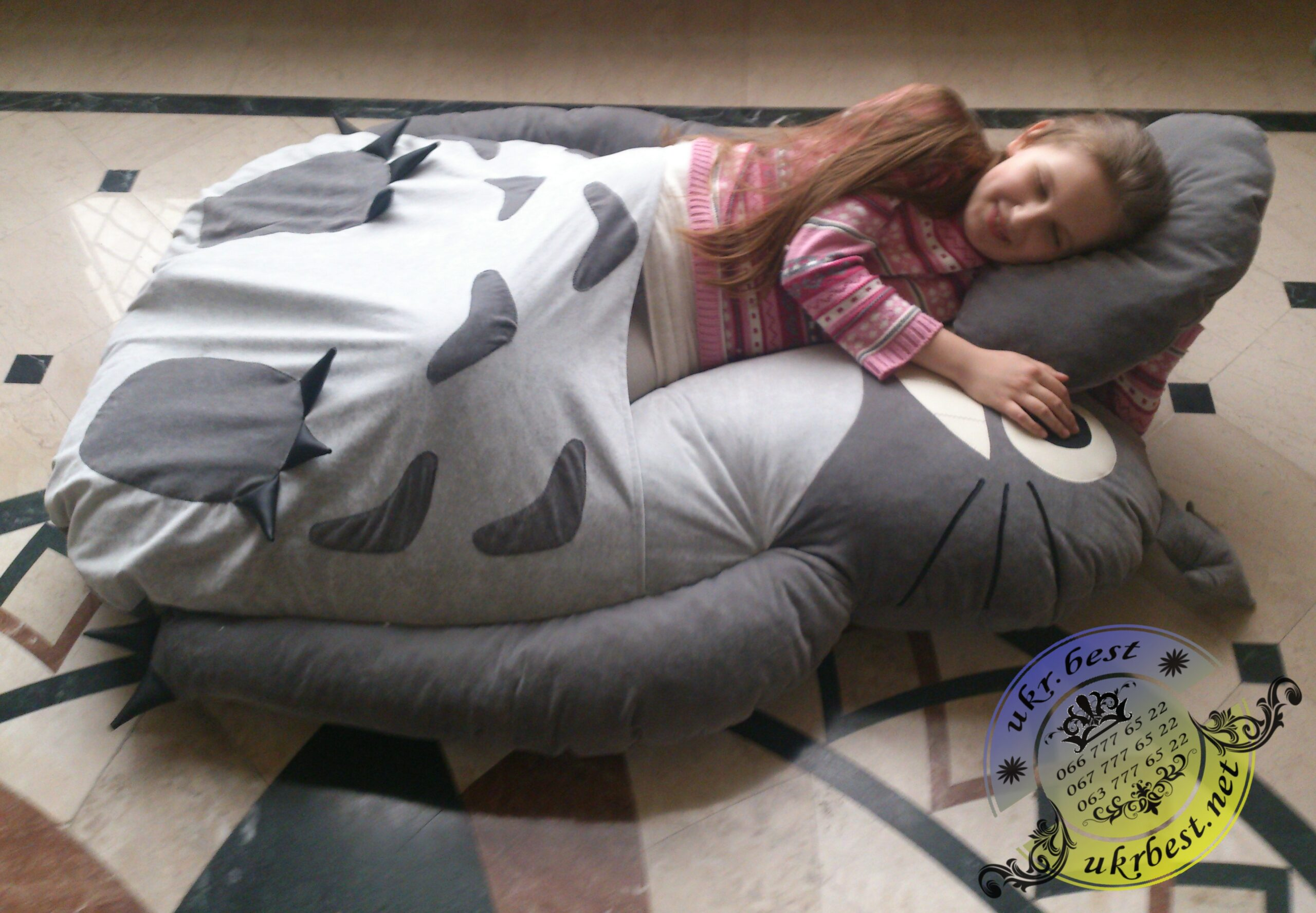 Заказать бескаркасную мебель в Украине - кровать Тоторо